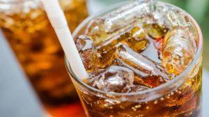 Niños estadounidenses Ahogándose en Bebidas Dietéticas