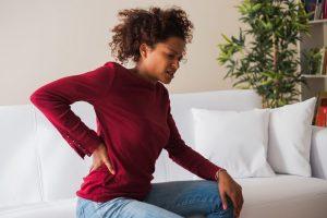 ¿Por qué Sentarse Causa tanto Daño, y por qué de Pie Promueve la Salud Física